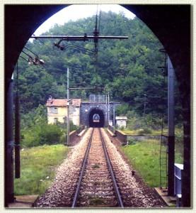 1982 - casello abbandonato nei pressi della stazione di Molino del Pallone