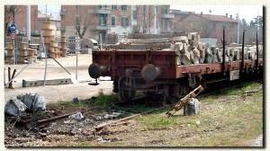 2 gennaio 2002: l'ultimo vagone sul primo binario, che verrà presto rimosso.